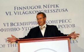 Igaunijas prezidents somugru kongresā uzteic Latviju un dāvina lībiešu vārdnīcu