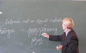 """Projekts """"Rāndakēļ min jemākēļ"""" lībiešu valodas apguvei"""