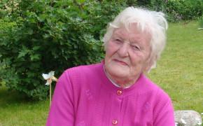 """""""Neesmu bijusi no ciema ārā 90 gadu"""".                                         Mūžībā devusies Hilda Helde"""